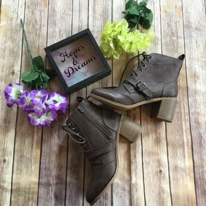Shoes - 🆕 Faux leather chocolate brown buckle ankle boots